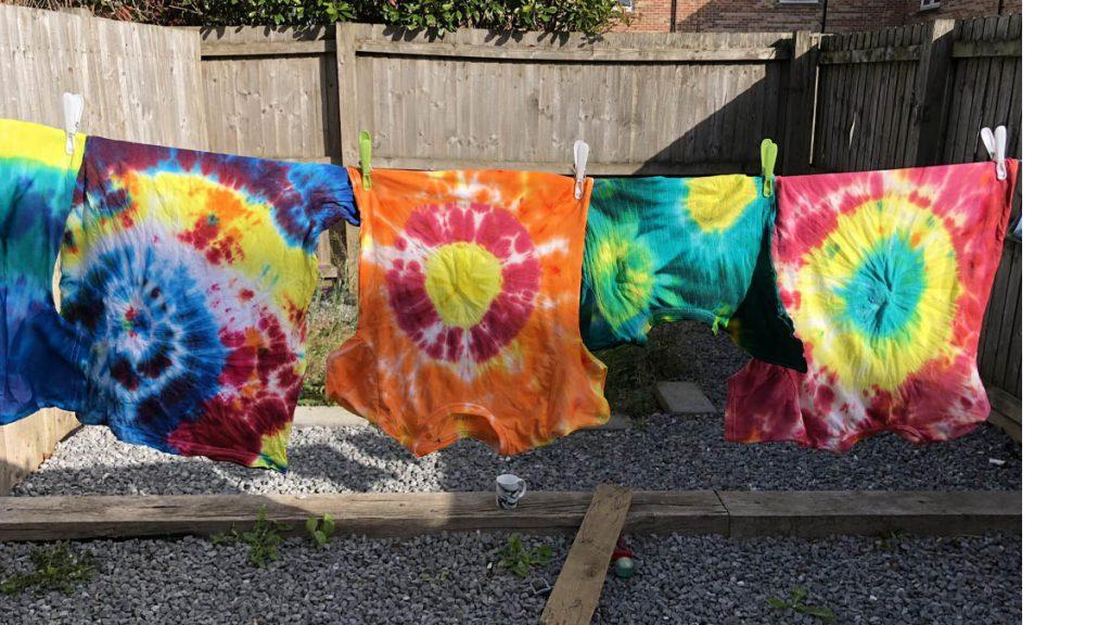 رنگ کردن لباس در خشکشویی