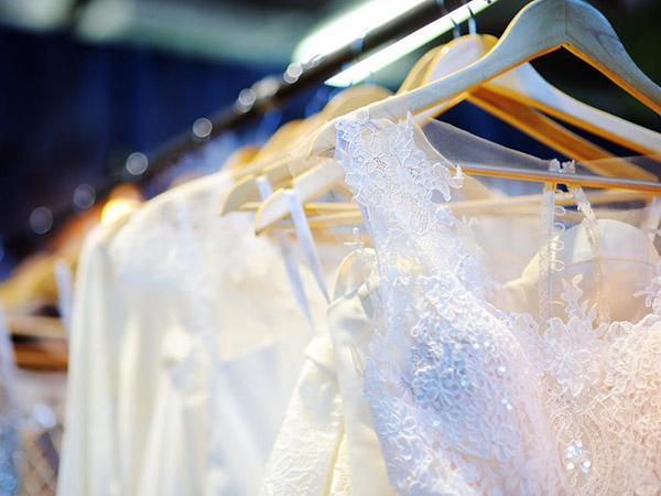 خشکشویی لباس عروس