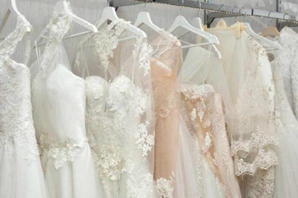 خدمات خشکشویی لباس عروس حرفه ای چگونه است؟