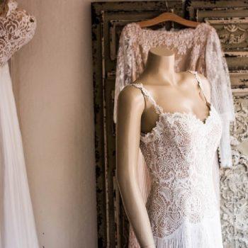 هزینه خشکشویی لباس عروس چقدر می شود؟