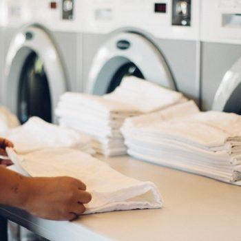 بهترین خشکشویی پرده زبرا چه ویژگی هایی دارد؟